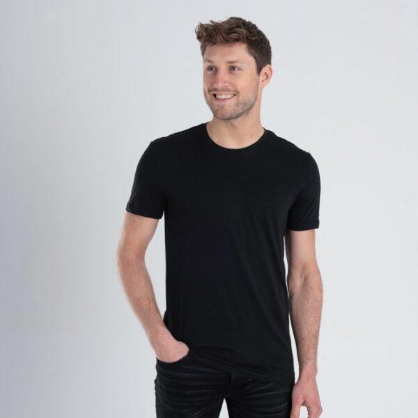 Duurzaam ondershirt / sportshirt met slim fit pasvorm zwart man