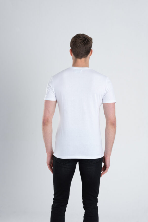 Duurzaam ondershirt / sportshirt met slim fit pasvorm wit achterkant man
