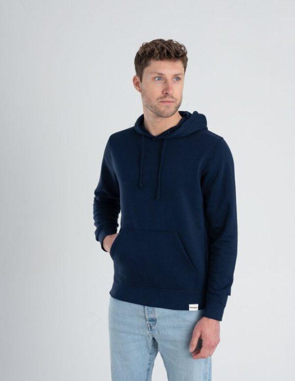 Duurzame hoodie trui Marineblauw voorkant man