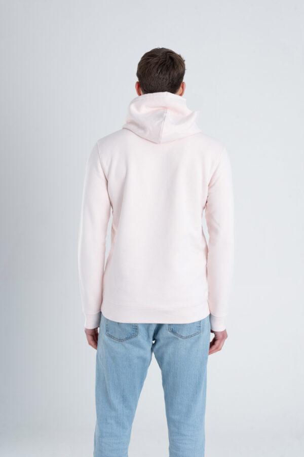 Man met Duurzame premium hoodie trui Licht roze achterkant