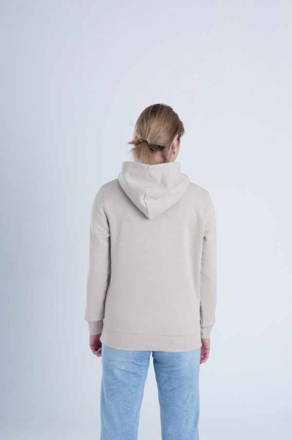 Duurzame premium hoodie trui Zandkleurig achterkant vrouw