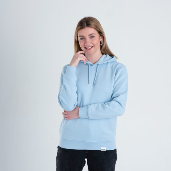 Duurzame premium hoodie trui Lichtblauw voorkant vrouw